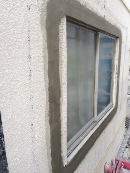 窓モルタル詰5